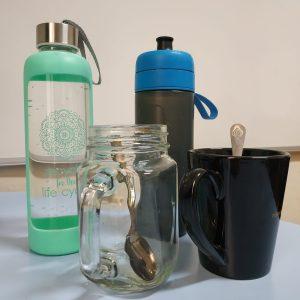 Mentor no utiliza envases de plástico no reutilizable